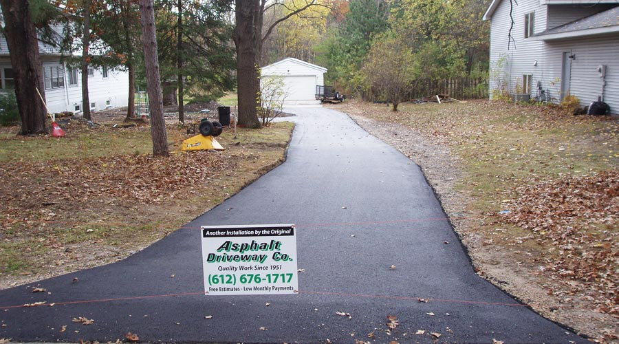 Blacktop Driveway MInneapolis
